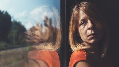Rosa (50) ontsnapte ooit nipt aan een verkrachting, maar kon niet voorkomen dat het haar dochter wel overkwam