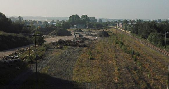 Op deze NMBS-site bevond zich vroeger het goederenstation. Toen lag er een bundel van twaalf sporen.