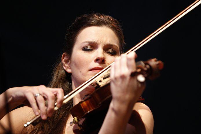 Violiste Janine Jansen treedt eind december niet op tijdens het Internationaal Kamermuziek Festival in Utrecht.  Wel komende zomer tijdens een speciale extra editie.