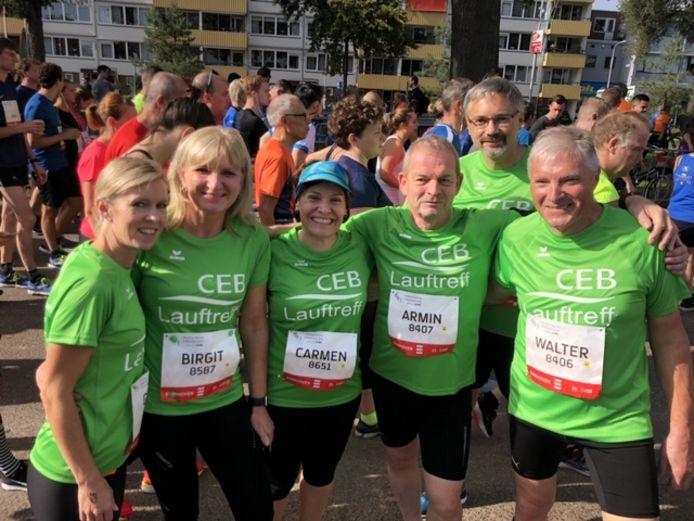 De loopgroep van het bedrijf CEB uit de buurt van Saarbrücken Duitsland.