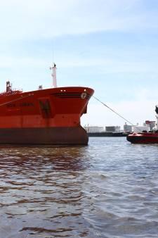 Eigenaar lekkende tanker Botlekgebied aansprakelijk gesteld