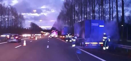 Vertraging op A2 tussen Den Bosch en Eindhoven voorbij na brand in vrachtwagen