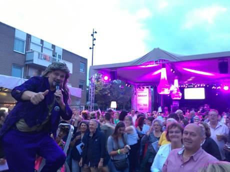 Het is gezellig #Goet Faut# tijdens de eerste avond van MidZomer Festival in Goirle