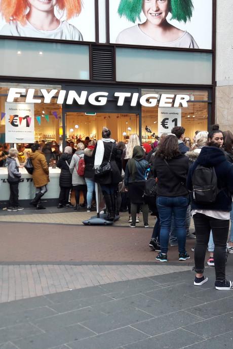 Anderhalf uur geduld voor een koopje bij Flying Tiger
