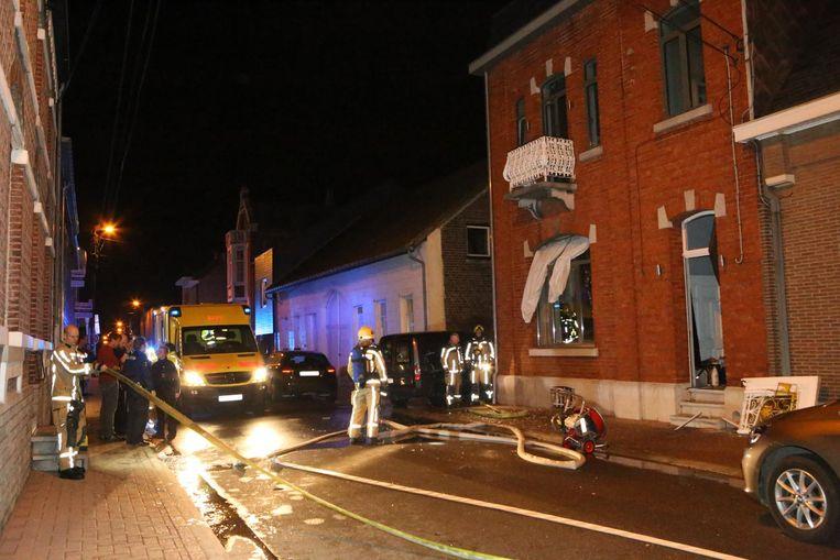 Door de explosie sprong ook al het glas uit de ruiten.