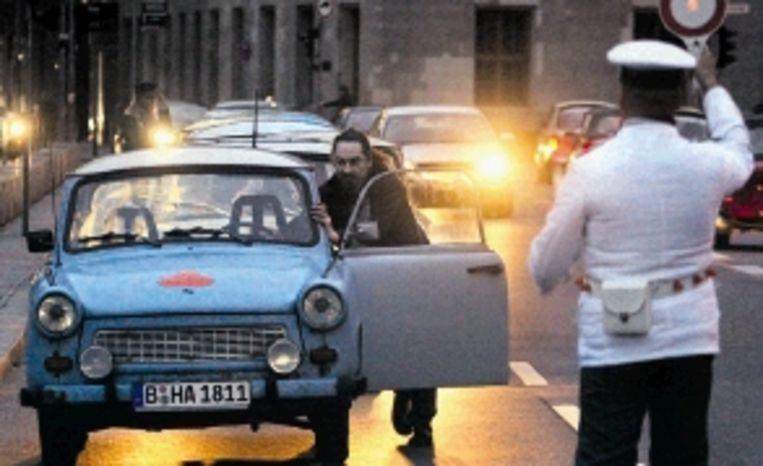 Geen luxe-auto, maar de Trabbi deed het, meestal. (FOTO AFP) Beeld