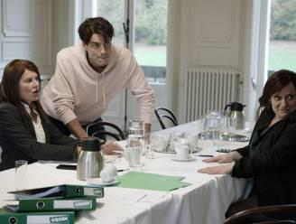 Zou het er echt zo aan toegaan? Nathalie Meskens en collega's lachen met regering in 'RIP 2020'
