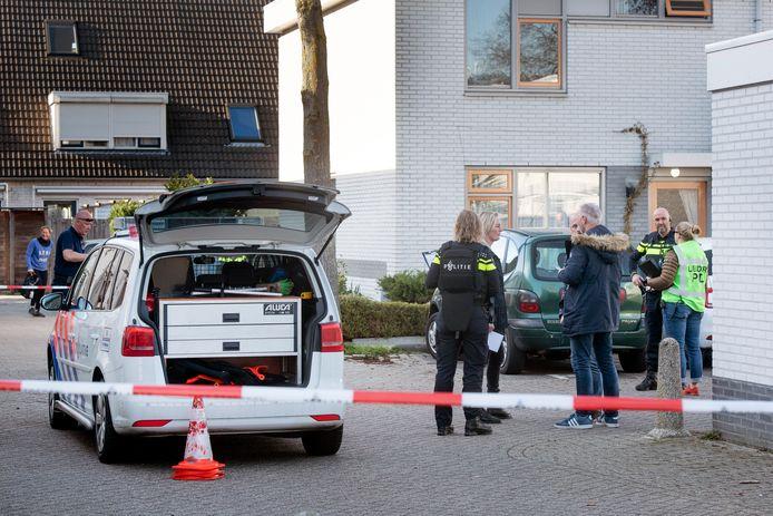 Politie aanwezig na de schietpartij in de Arnhemse wijk Rijkerswoerd.