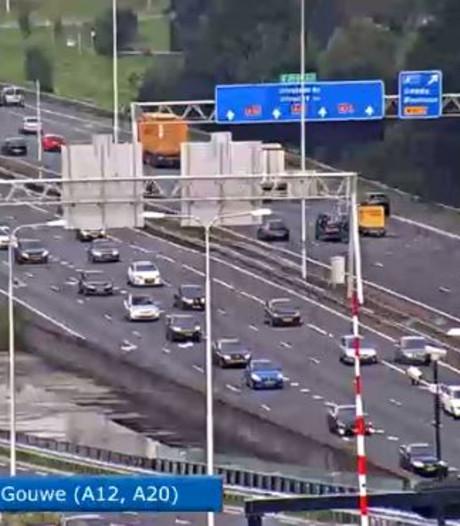 File richting Den Haag door ongeval bij Gouda