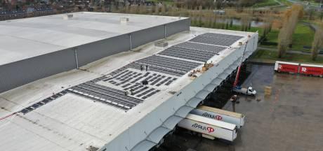 Vijfduizend zonnepanelen op dak St. Paul in Sint Jansteen