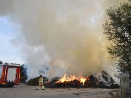 Brandweer waarschuwt vanwege compostbrand in Scheerwolde: 'Sluit ramen en deuren'