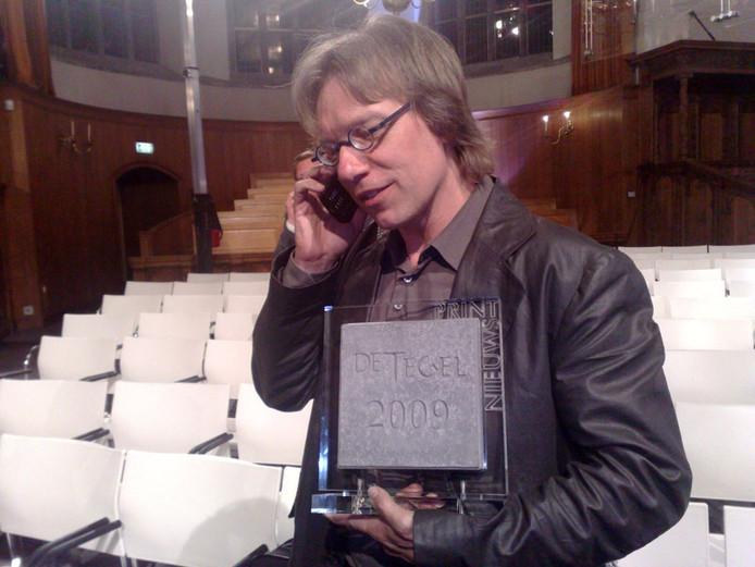 Lucien neemt na afloop felicitaties in ontvangst. Foto Teun Staal