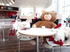 In dit café blijft het ondanks de coronamaatregelen beregezellig