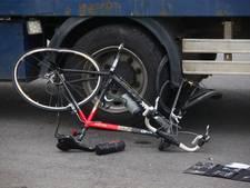 Veewagen botst met twee wielrenners in Chaam: één man zwaargewond
