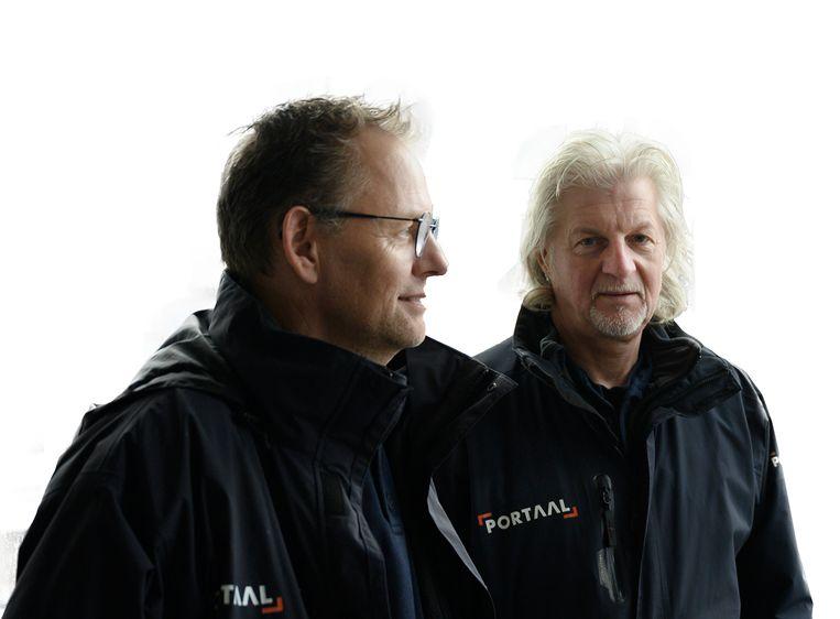 Wijkbeheerders Ruud Gouweleeuw (links) en Hugo van der Wal. Beeld Bram Petraeus