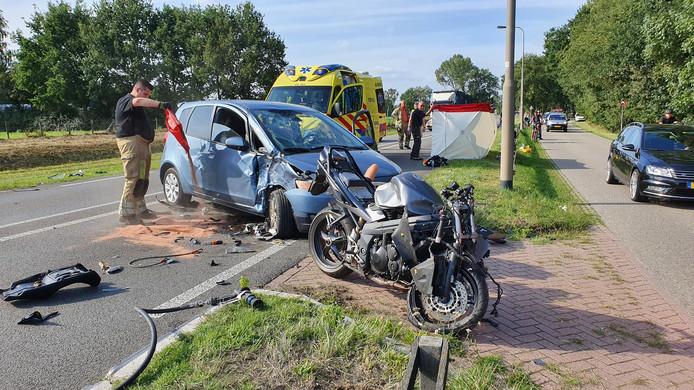 De plaats van het ongeluk met de motorbegeleider in Rhenen