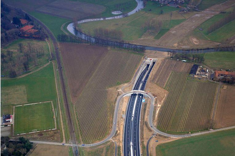 Tunnel bij Roermond op de nieuwe snelweg A73 (Raymond Rutting / de Volkskrant) Beeld raymond rutting