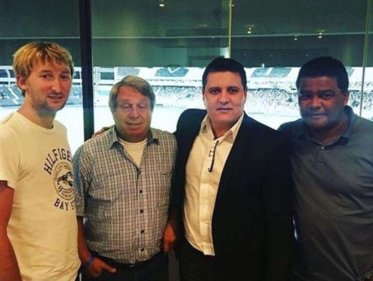Van links naar rechts: Pieter Eecloo, Werner De Raeve, makelaar Anselmo Paiva en Dimitri M'Buyu.