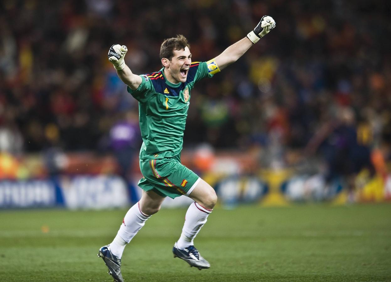 Vreugde bij Casillas na de goal van Iniesta in de WK-finale.