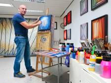 Kunstenaar Martin Copier uit Werkendam liet mensen ongezien een werk van hem kopen