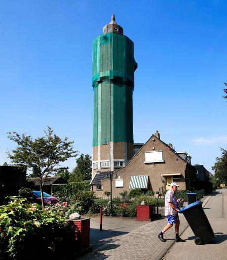 Watertoren Leerdam staat te koop voor een prikkie, platgebelde makelaar waarschuwt: 'Kosten zijn fors'