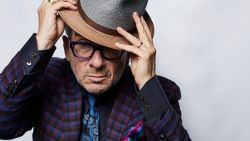 """INTERVIEW. Elvis Costello: """"Ik zal morgen altijd gelukkiger zijn dan vandaag"""""""