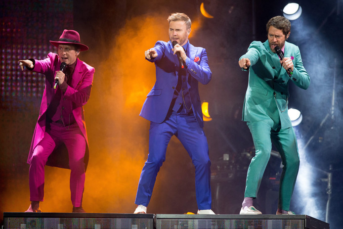 De Britse boyband Take That zegt plannen voor shows in Australië en Zuid-Amerika af.