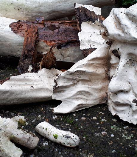Vuurwerk versplintert geliefd kruisbeeld Lithoijen: 'Ze hebben de geschiedenis vernield'