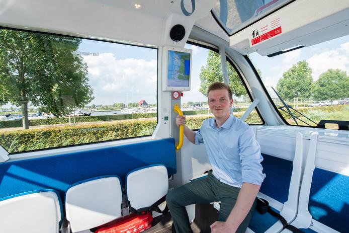 Drimmelen - Pix4Profs/René Schotanus. Zelfrijdend busje in Drimmelen. Tim Simons in het busje.