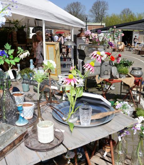 Frans vakantiegevoel en 'doorleefde' spulletjes scoren op de brocante-markt in Giessenburg