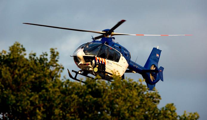 Mede dankzij de inzet van een politiehelikopter werden vier fans van MEC'07 zondag opgepakt.