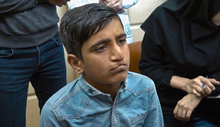 Dokter Nadjmi ontmoet Iraanse jongen met ernstige schisis