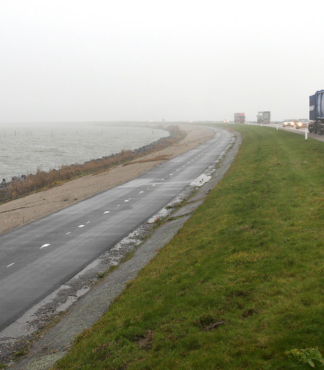 Dijk Lelystad - Enkhuizen weer open na dodelijk ongeluk