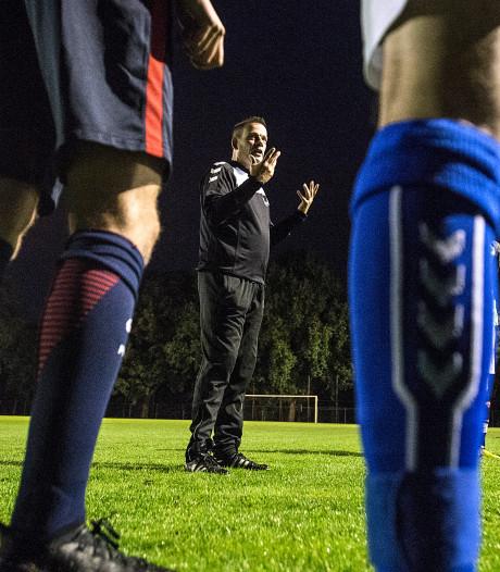Van den Hurck gaat voor zevende seizoen bij Neerlandia'31