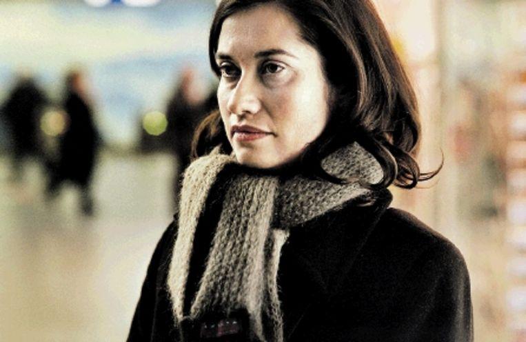 Emmanuelle Devos Â¿ als de verdrietige Grace Â¿ met haar grote lege ogen is adembenemend om naar te kijken. (Trouw) Beeld