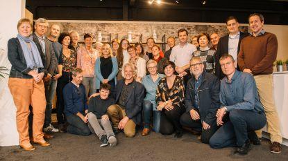 E's singers en Eléonor zingen voor Heldenhuis