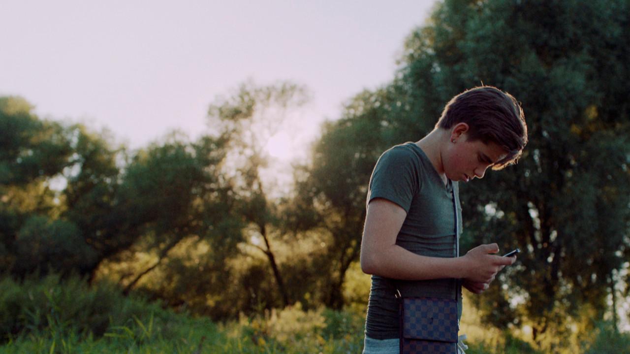 Scène uit de telefilm 'Vind die domme trut en gooi haar in de rivier' uit 2017.