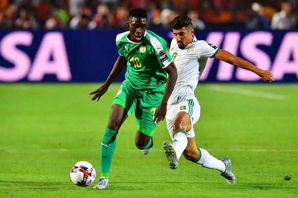 Sarr (hier links in actie op de Africa Cup).