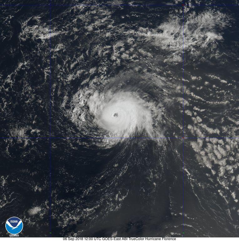 Florence was gisteren nog een tropische storm, maar wordt sinds deze ochtend als orkaan bestempeld door de weerdiensten.