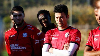 TransferTalk. Harbaoui blijft Zulte Waregem trouw - Twee nieuwe spelers voor STVV - Dembélé verhuist naar Guangzhou - Zo goed als rond: Chelsea huurt Higuain