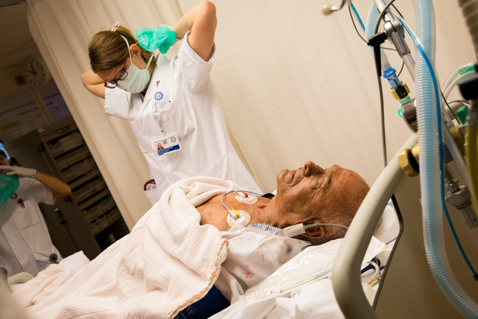 Bij een grootschalige rampenoefening werkten personeel van het Universitair Medisch Centrum Utrecht en Defensie al samen.
