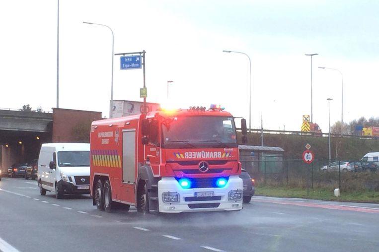 De brandweer zette twee tankwagens in om de klus te klaren