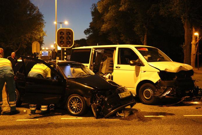 De schade aan de voertuigen was groot in Overvecht