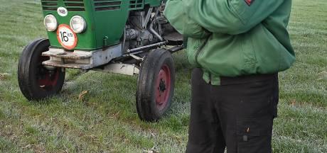 Harrie rijdt meer met de tractor dan met de auto: 'Deze lenen? Never nooit'