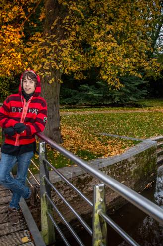 """Iren (14) is jongste student hoger onderwijs in ons land: """"Hij begon te lezen toen hij 3 jaar was"""""""