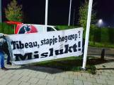 Supporters FC Eindhoven stoken derby-vuurtje opnieuw op: 'Tibeau, stapje hogerop? Mislukt!'