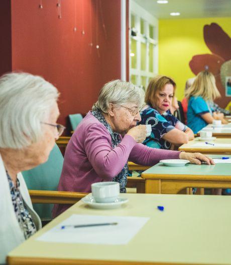 """Senioren mogen zelf nieuwe koffie voor hun rusthuis kiezen tijdens proeverij: """"Niet alles opdrinken, Rosette! Anders sta je de rest van de dag te springen ..."""""""