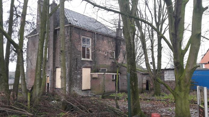 De gemeente Kampen wil horeca in de panden aan Havenweg 3 en 5. Dat wordt nog een flinke klus. De verbouwingskosten zijn hoog en eigenlijk zijn de panden te klein voor volwaardige en rendabele horeca. In de tuin is ruimte voor een serre.