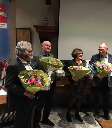Hoge gemeentelijke onderscheiding voor regiegroep 400 jaar stadhuis Gennep