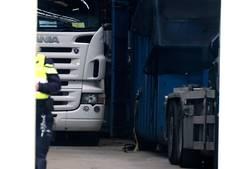 Elf transportbedrijven verdacht van fraude